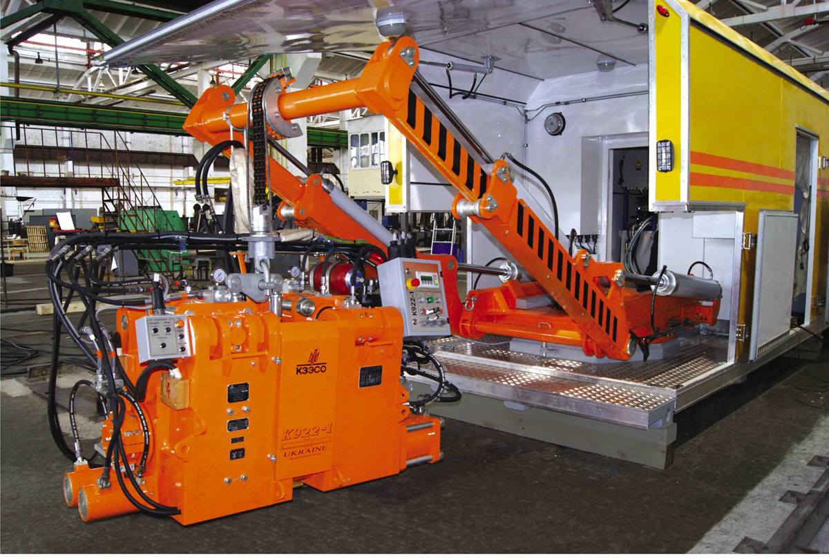 Mobile container complex based on the К922-1 welding machine